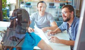 IKOBE Tests für das Berufsleben Kollegen Besprechung Arbeitsplatz Konferenz