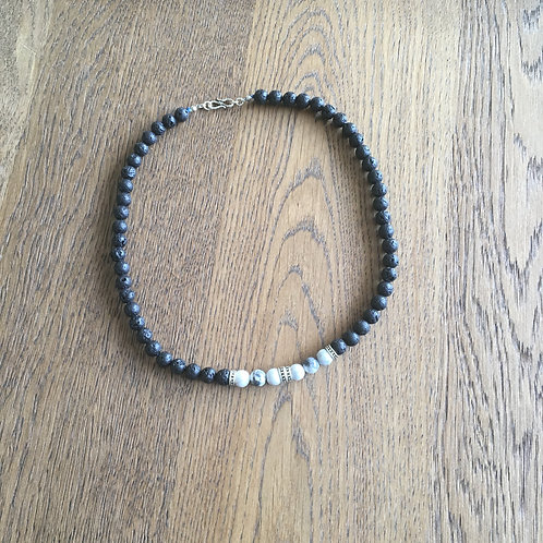 Necklace Lava stone & white Howlite