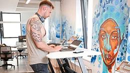 Hamburgs sportlichstes Büro: Laptop trifft Laufband