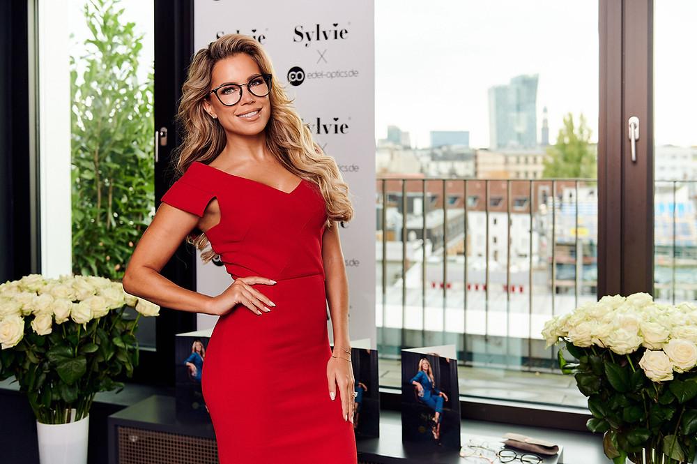 Sylvie Meis stellt im Hamburger Ding ihre Sehbrillenkollektion mit Edel Optics vor