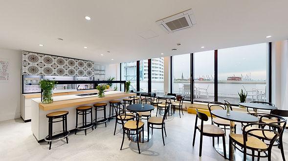 Hamburger Ding Thonet Rooftop Cafe