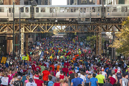 Chicago Marathon color photo looking South from Lake and Franklin