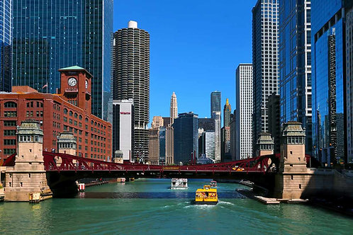 Chicago River bright view