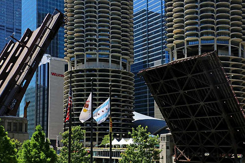 Marina City Bridge up