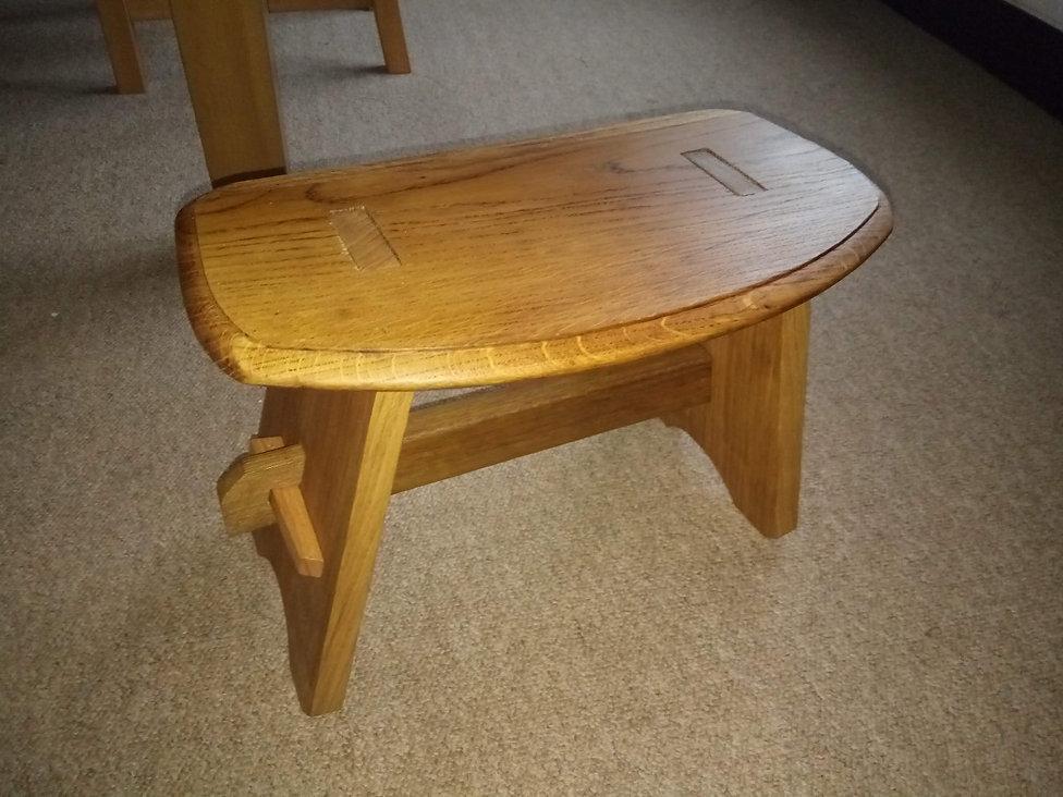 footstool1.jpg