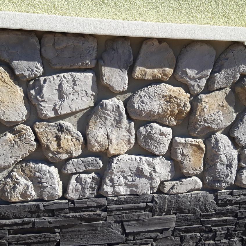 Остался вопрос, как заделать такие большие швы между камнем?
