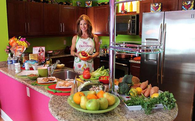 unni-Diet-Diva-in-the-kitchen1.jpg