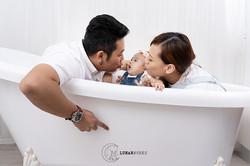 Family-Photoshoot-Portrait-Parents-Baby.