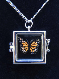 monarch locket square