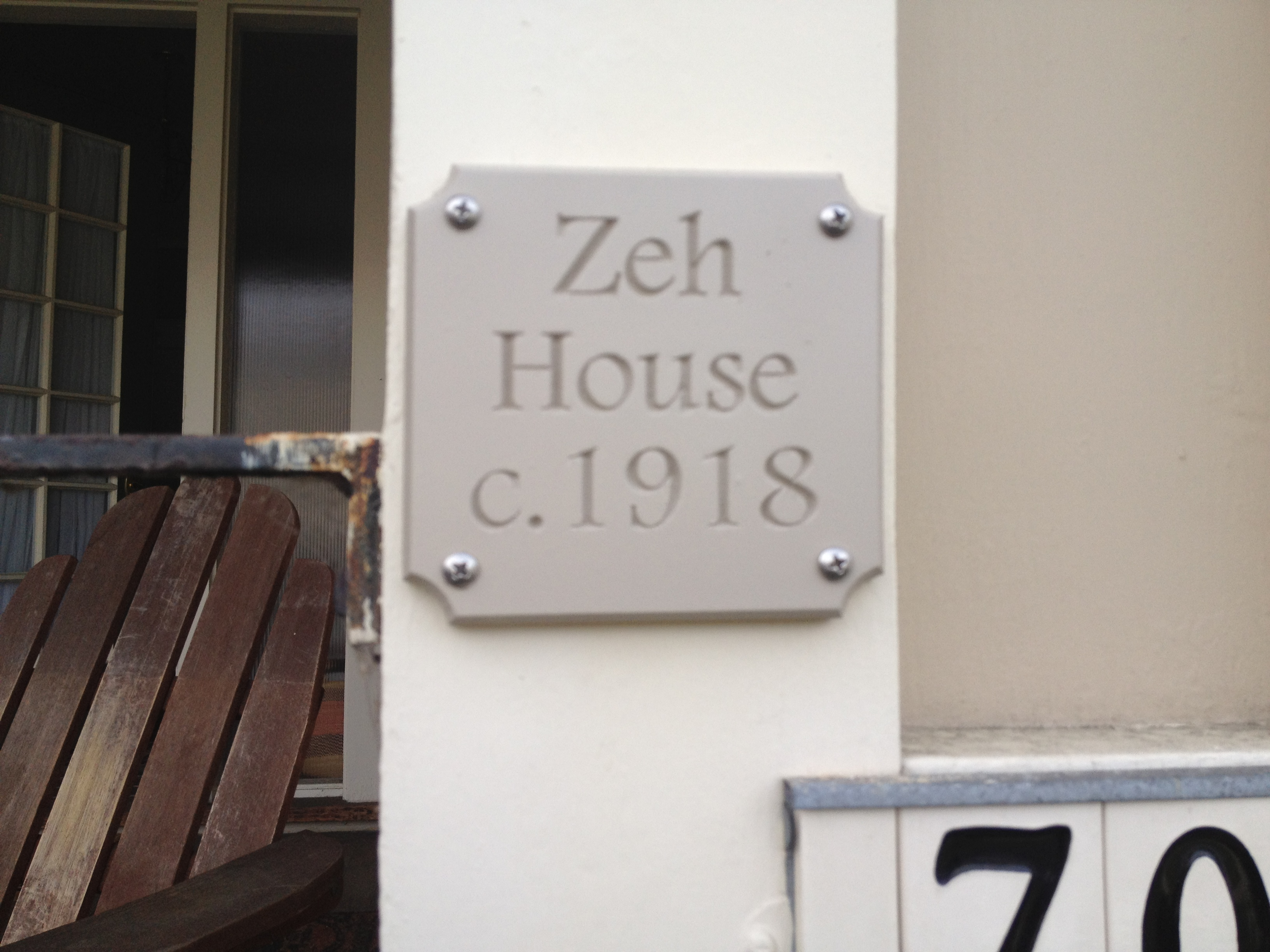 zeh house sign