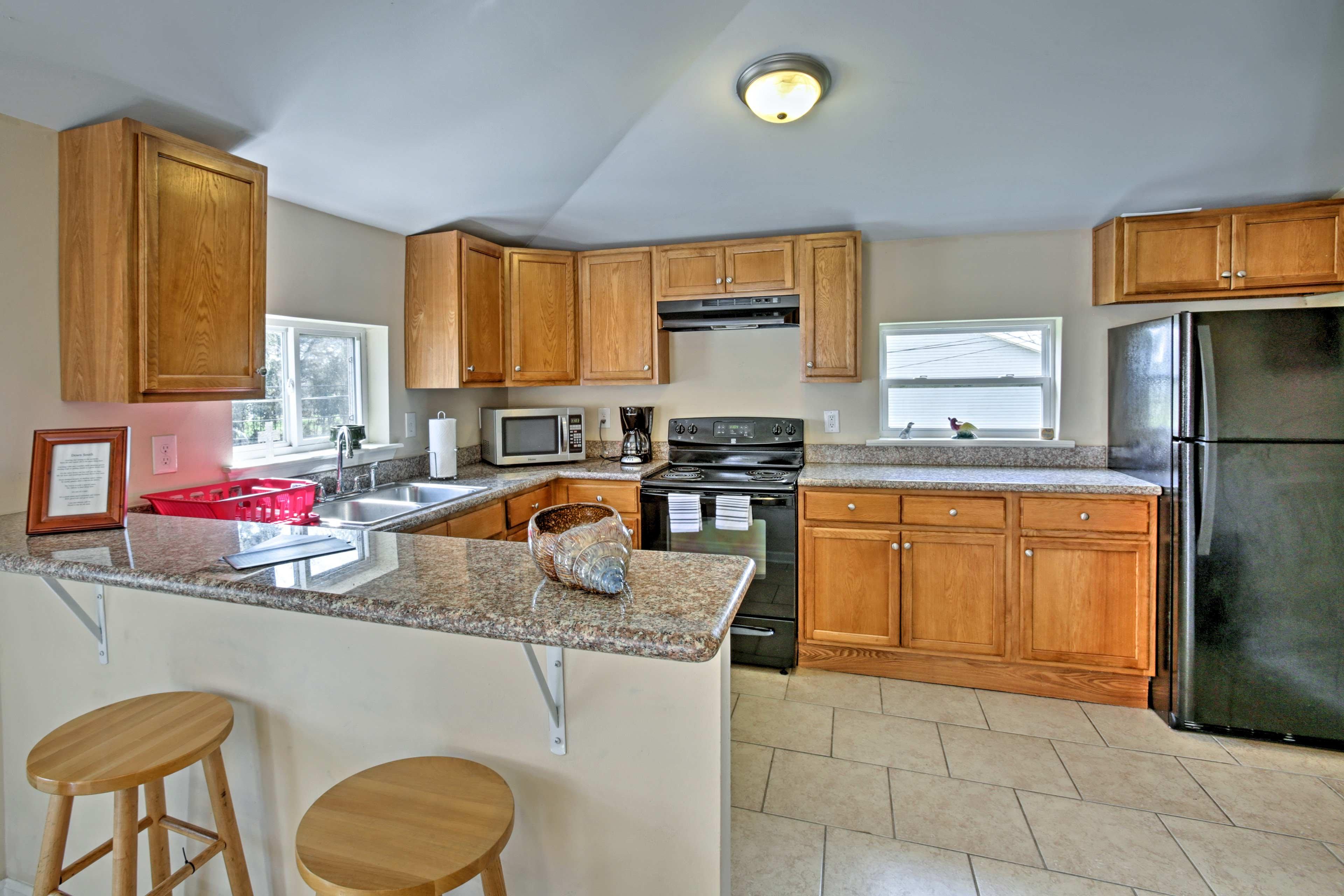 Pro 1 BR kitchen