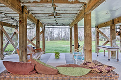 Lytle Farms Cajun Cottage Lounge