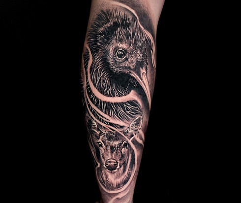 Coen Mitchell Tattoo Gold Takapuna Tattoo Studio Auckland New Zealand Realism Kiwi Deer tattoo