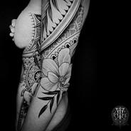 Coen Mitchell Tattoo Gold Takapuna Tattoo Studio Auckland New Zealand Side tattoo