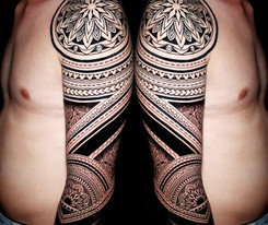 Coen Mitchell Tattoo Gold Takapuna Tattoo Studio Auckland New Zealand Mosaic Flow arm sleeve
