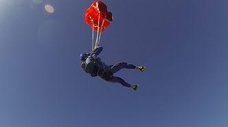 af para.com Parachute à St EtienneStage de parachutisme et baptême de chute libre en Région Rhônes-Alpes