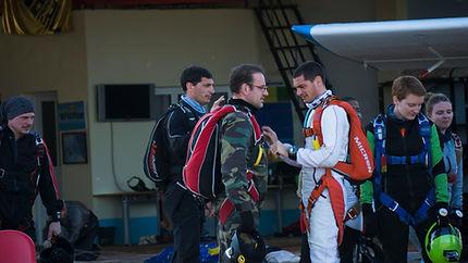 Af para stage de parachutisme st etienne et saut en parachute tandem st etienne en Rhône-Alpes. Un cadeau original à Saint Etienne.