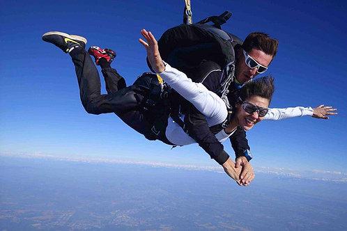 Saut parachute Tandem       (BON CADEAU PAR MAIL)