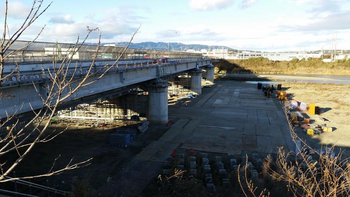 渋滞緩和なるか?念仏橋の拡幅工事