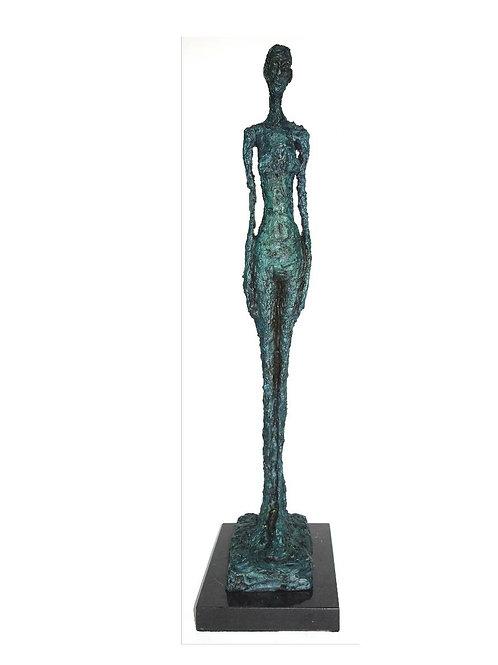 Stehende Frau grüne Skulptur nach Richier Standing Woman after 60tiers Sculpture