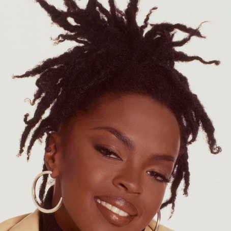 We Love a 90s/00s Women's Hairstyle!