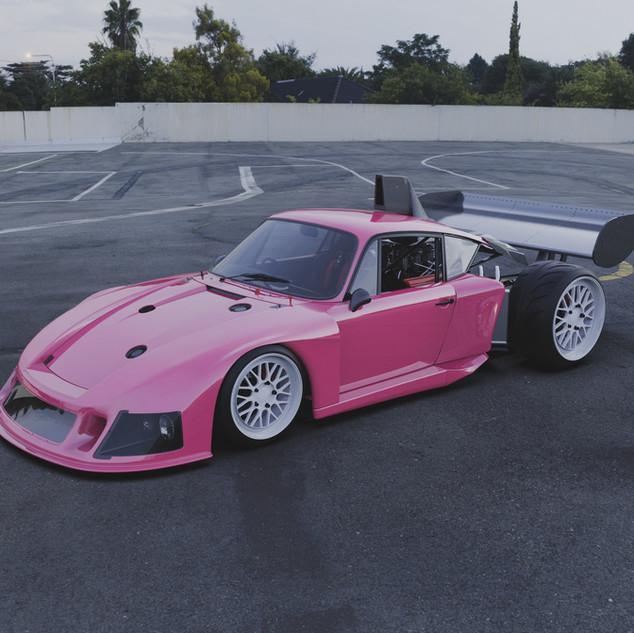 Porsche cayman 935 mutant
