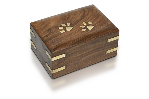 Wooden Pet Urn with Brass Paws and Brass Corners 30 cu. in. – RW-PP-Small