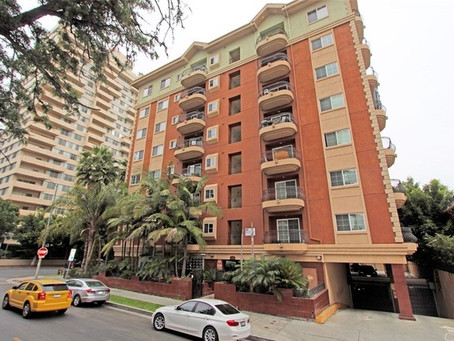 Spotlight on Condo for sale at 700 S Ardmore