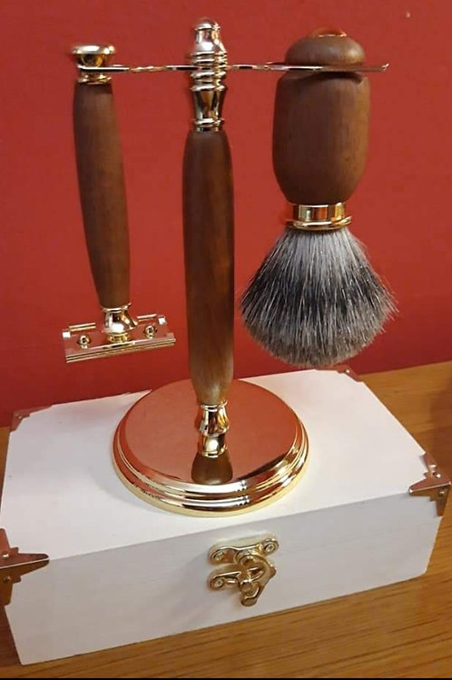 Hand crafted razor kit in mahogany