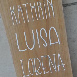 Namen auf Holz