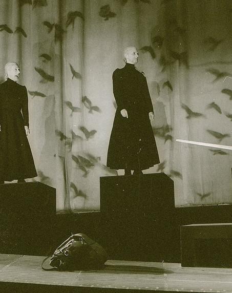 macbeth-1996_-banquo-encounters-the-thre
