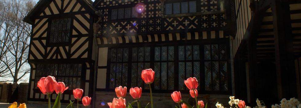 Agecroft Courtyard2.jpg