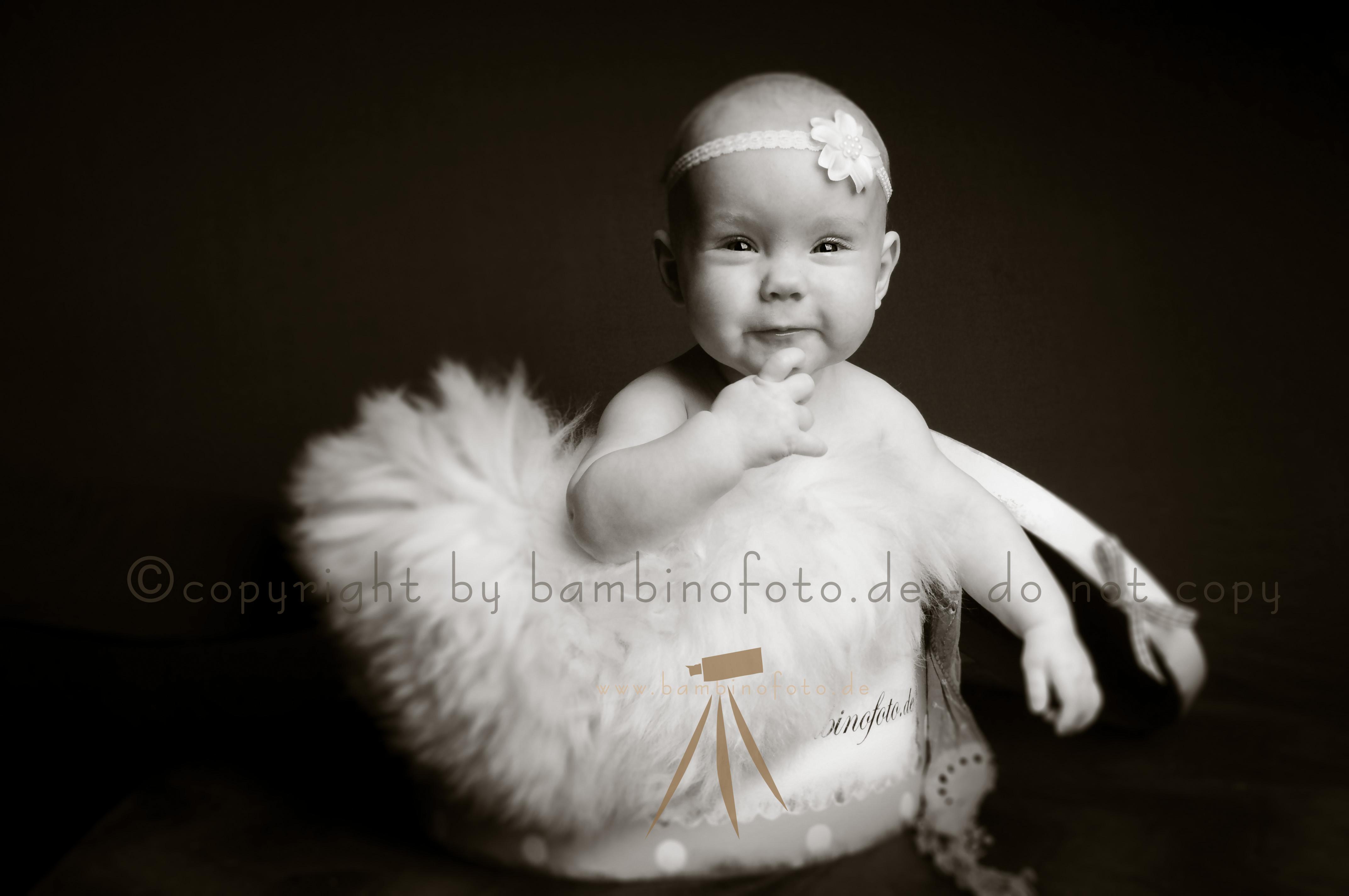 Baby4_sepia