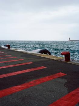 Série C'est ça la beauté d'un port.tif