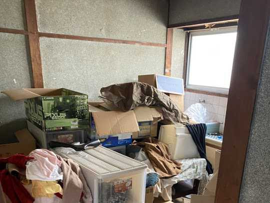 大阪府摂津市で食器類の処分・粗大ゴミの回収のご依頼