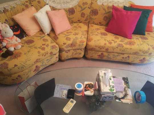 兵庫県西宮市で家具(ソファー)・家電の回収のご依頼