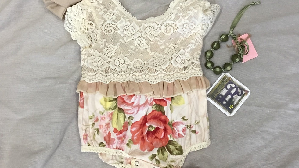 Scooped Back Floral Poplin Top