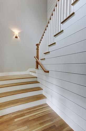 west-32nd-st-stairs-1-austin-avenue-b-de