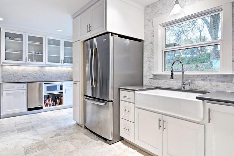 38th-st-austin-kitchen-avenue-b-developm
