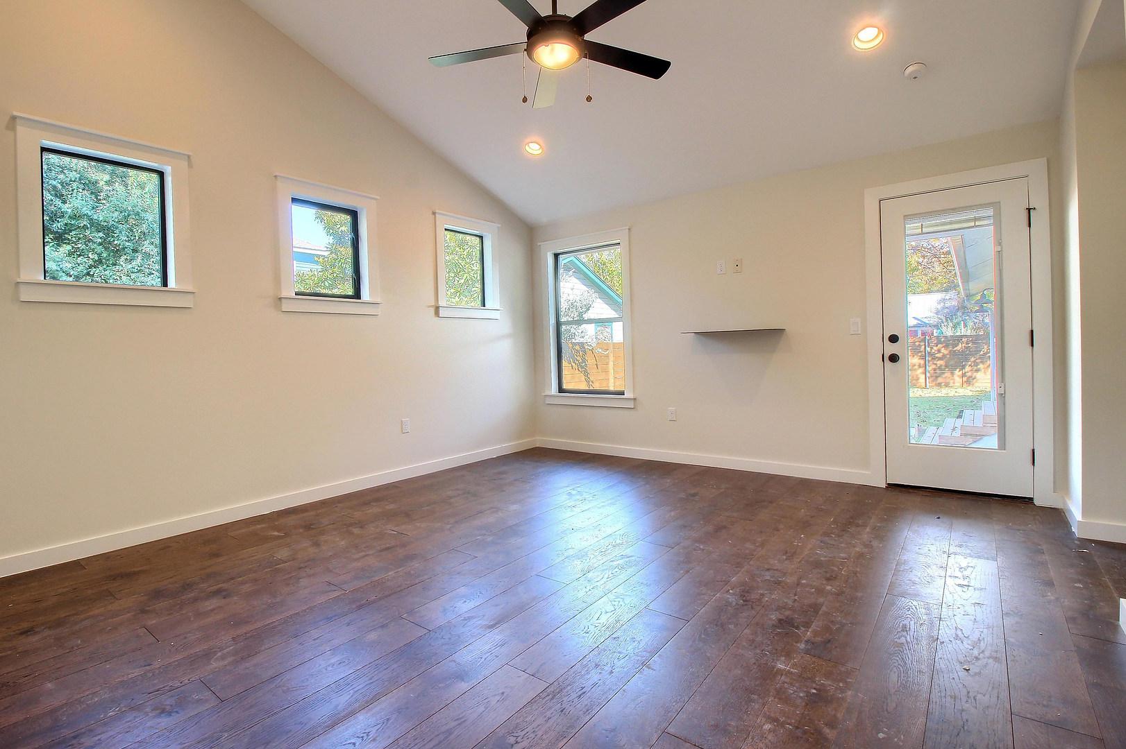 Home Renovation Master Bedroom Windows on Bouldin in Austin, TX