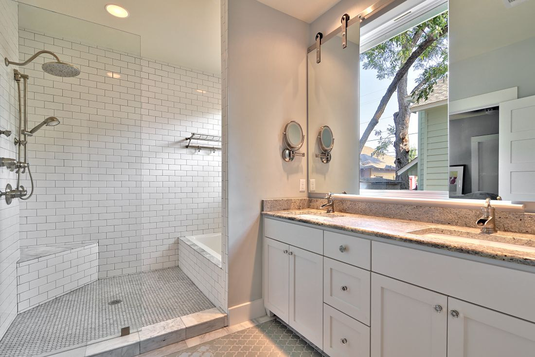 willow-austin-bathroom-avenue-b-developm