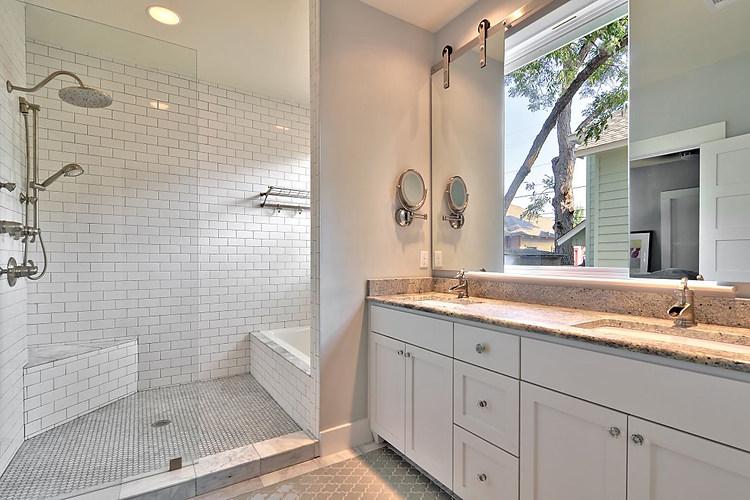 willow-austin-bathroom-avenue-b-developm