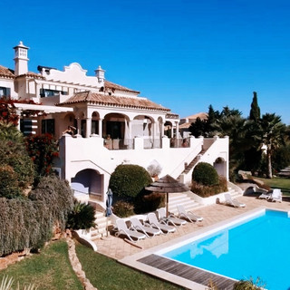 Check out the villa!
