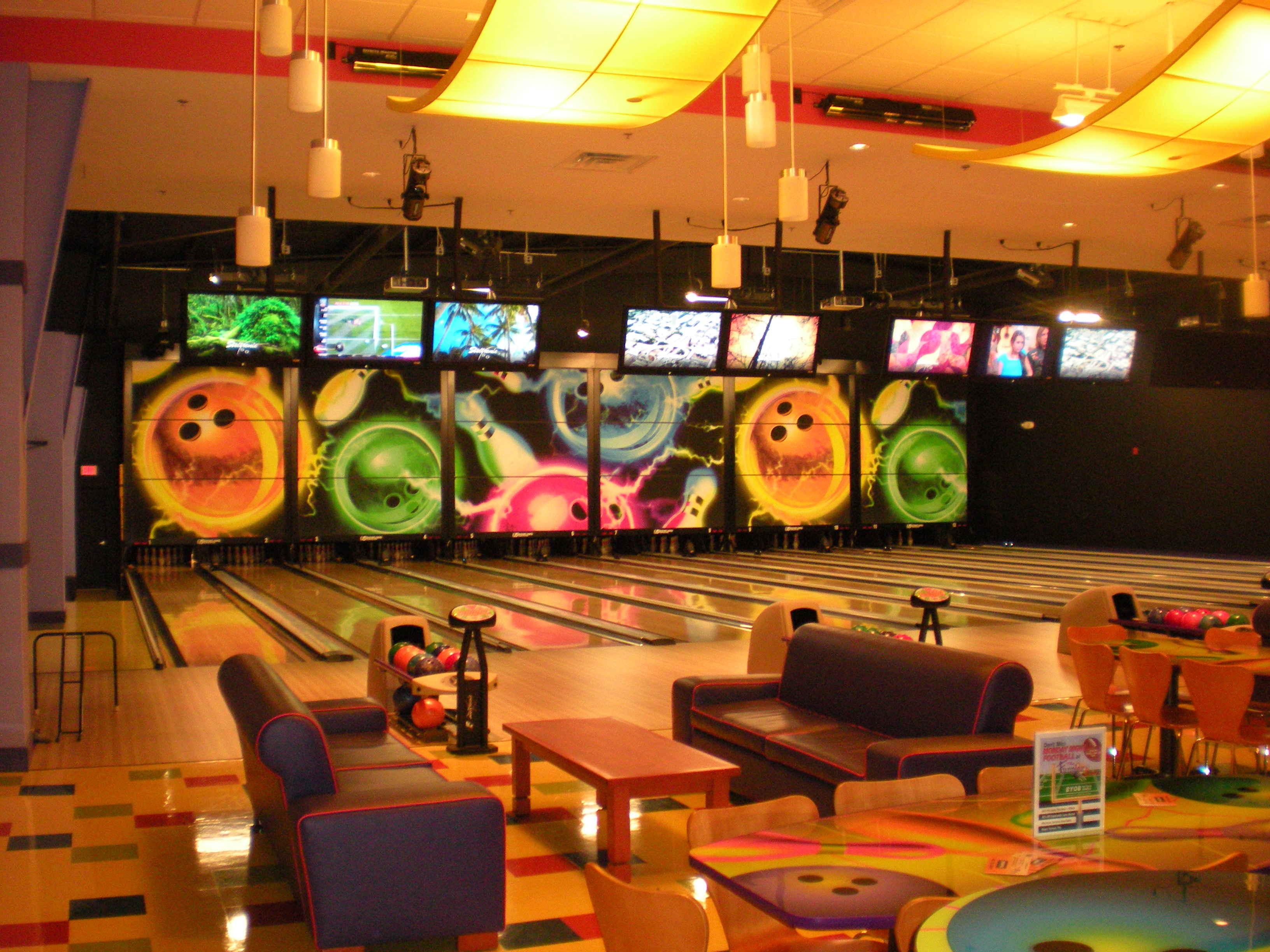 Funplux Bowling Alley