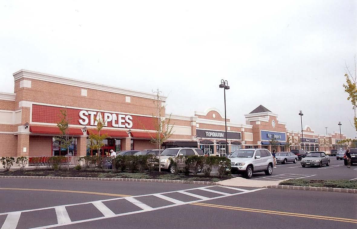 Staples - Ocean Plaza