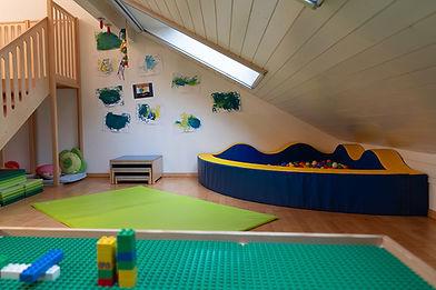 Spielzimmer  Kinderkrippe Hosechnöpf
