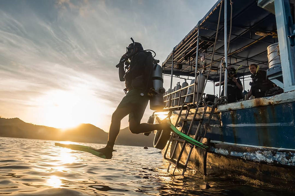 Work andd travel: Diving Instructor