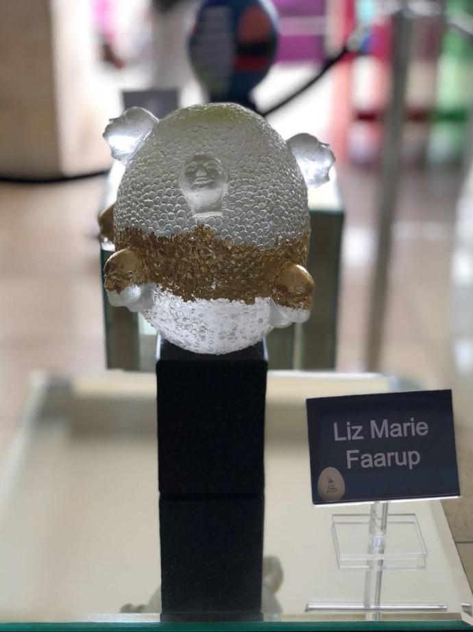 Material: Glass and Granite Base Dimensions: 18 cm x 18 cm x 30 cm