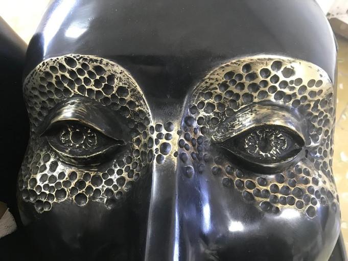 Material: Bronze Detail