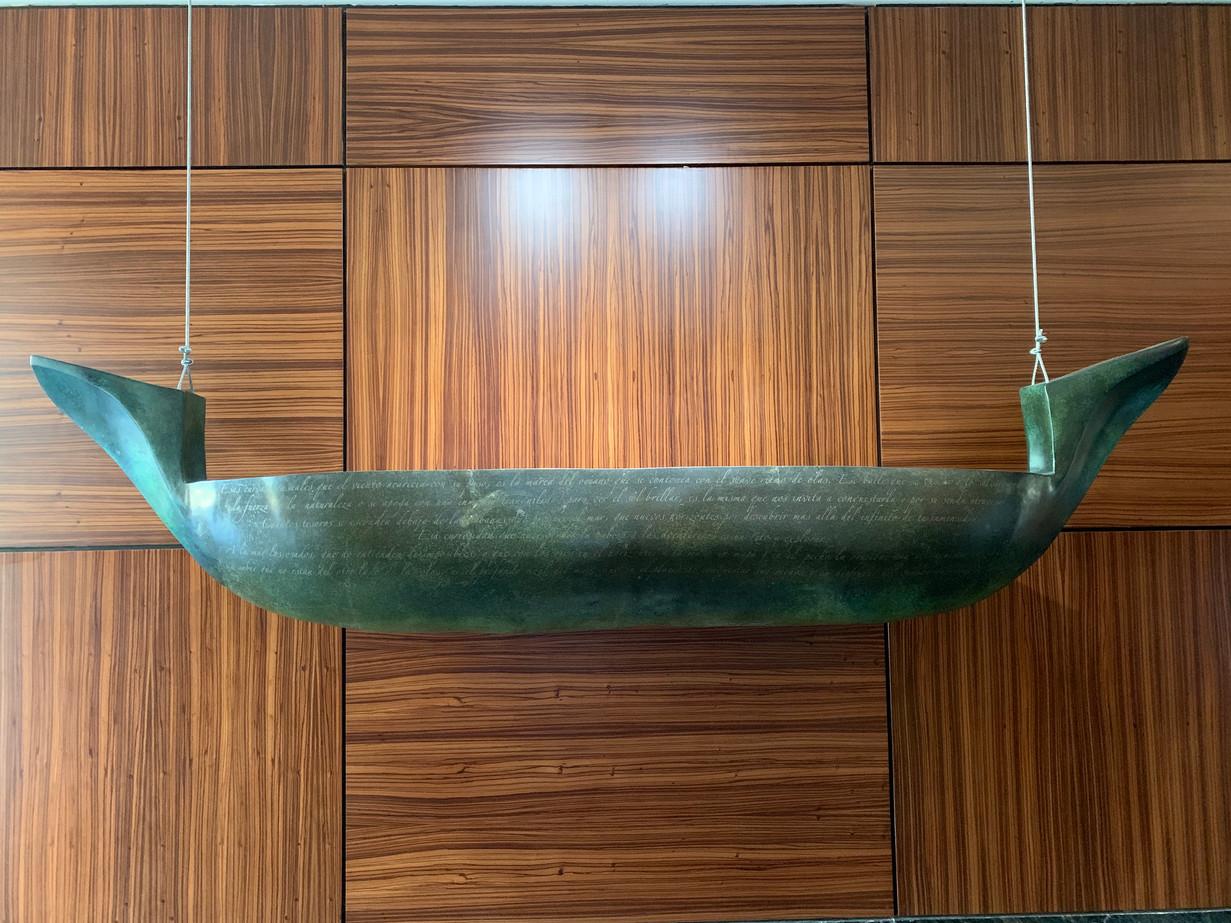 Material: Bronze Dimensions: 205 cm x 35 cm x 70 cm
